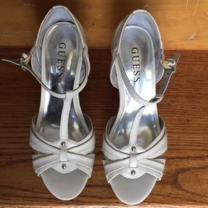 Guess shoes 👠